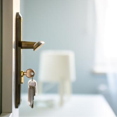 玄関の引越し、入退居時ハウスクリーニング|イメージ
